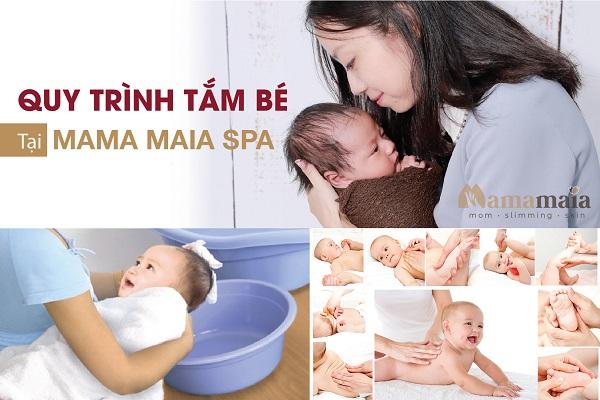 Tắm bé sơ sinh chưa rụng rốn